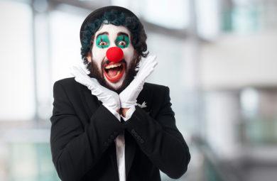 clown qui fait la grimace carnaval